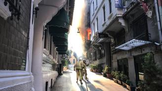 Beyoğlu'nda yangın: 4 ölü