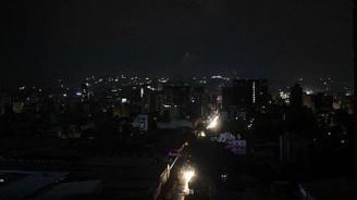 Venezuela'da elektrik kesintisi hayatı durdurdu