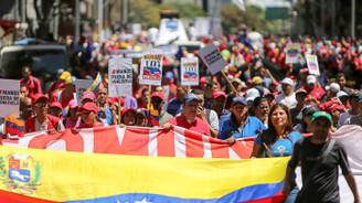 Venezuela'da iktidar ve muhalefet sokağa iniyor