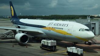 Jet Airways tüm faaliyetlerini askıya aldı
