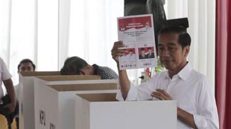 Endonezya yine Widodo dedi