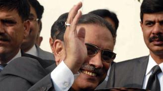 Eski Pakistan Cumhurbaşkanı Zerdari tutuklandı