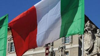 İtalya'da koalisyon hükümeti 'şimdilik' devam kararı aldı