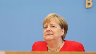 Merkel: Diplomatik girişimleri önemli buluyorum