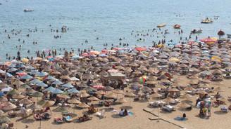 Antalya'ya gelen turistler sektörü hareketlendirdi
