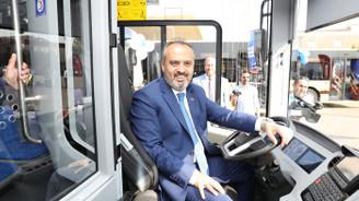 Büyükşehir, toplu taşıma filosunu gençleştirdi