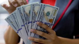 Dolar/TL 5,76 lirayı aştı