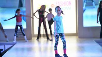 Bursa'da Junio Fashion Show rüzgarı