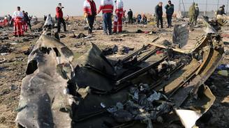 İran, yolcu uçağını 'yanlışlıkla' düşürdüğünü itiraf etti