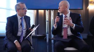 Koç Holding CEO'su Levent Çakıroğlu, Davos Zirvesi'nde dünya liderlerine dijital dönüşümü anlattı
