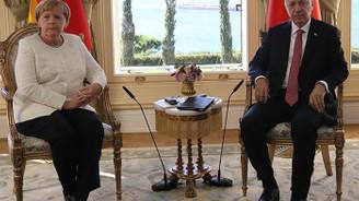 Erdoğan ile Merkel Libya ve Suriye'yi görüştü