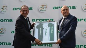 Aroma 50'nci yaşını Bursaspor oyuncularıyla kutladı
