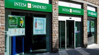 İtalyan bankacılık devi rakibini satın alıyor