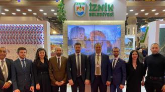 Turizm Bakanı Ersoy'dan İznik standına özel ilgi