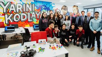 Türkiye Vodafone Vakfı'ndan gençlere yapay zeka eğitimi