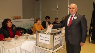 İMO Bursa'da Albayrak güven tazeledi
