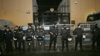 Rusya İstanbul Başkonsolosluğu önünde protesto
