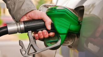 Benzine 8 kuruşluk zam iptal edildi