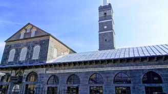 Bir sonsuz türküdür Diyarbakır