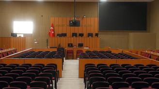 Yargılamalar 30 Nisan'a kadar durduruldu