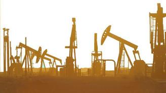 Petrolde tüketim ve fiyatlar düştü, stoklar yüzde 80'i aştı