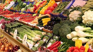 Yaza rağmen yaş sebze-meyve fiyatı düşmedi