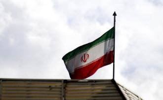İran, Barzani'ye hava sahasını kapattı