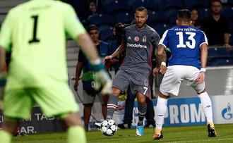 Beşiktaş rekorla gruptan çıkma peşinde