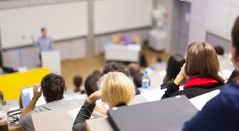 Yurt dışından gelen öğrenciler yıllık 1 milyar dolar bırakıyor