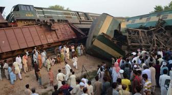 Bangladeş'te tren kazası: En az 15 ölü