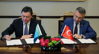 Kazakistan ile 1.4 milyar dolarlık 19 anlaşma için imzalar atıldı