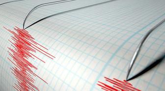 Endonezya'da 7,1 büyüklüğündeki deprem