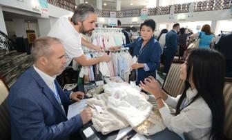 Kırgızistan'da 1 günde 1.600 iş görüşmesi