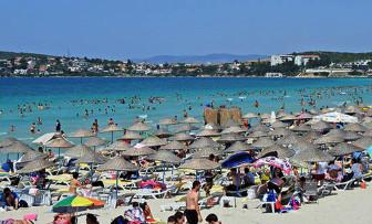 Turizm cennetinde ücretsiz şezlong