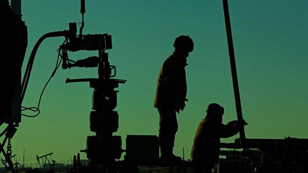 Jeopolitik riskler, petrol fiyatlarını yükseltiyor
