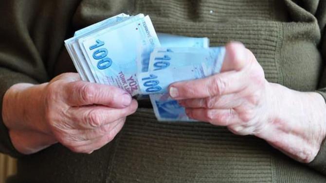 'Emeklilerin yüzde 30'u çalışıyor'