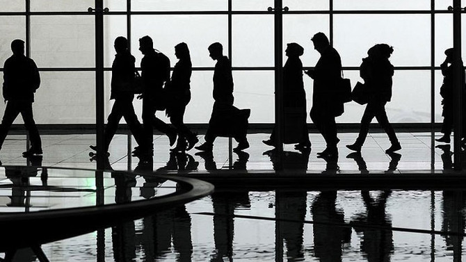 Yurt dışına çıkışlar yüzde 11 azaldı
