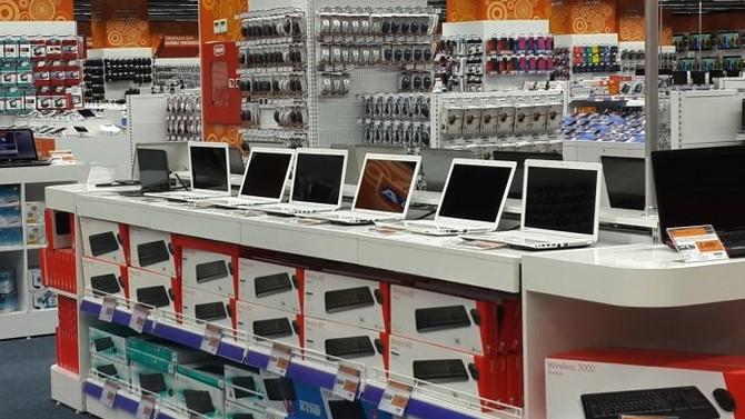 Zarar eden teknoloji devleri mağazaları küçültüyor