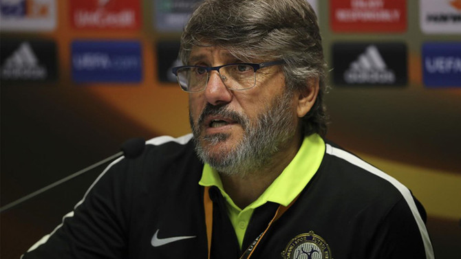Osmanlıspor Teknik Direktörü Akçay  istifa etti