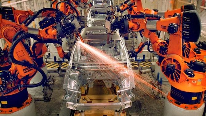 'Artık üretimi robotlar yapacak ayak uyduramayan silinip gider'