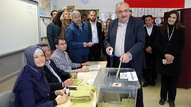 Türkeş: Milletin kararına tabi olacağız