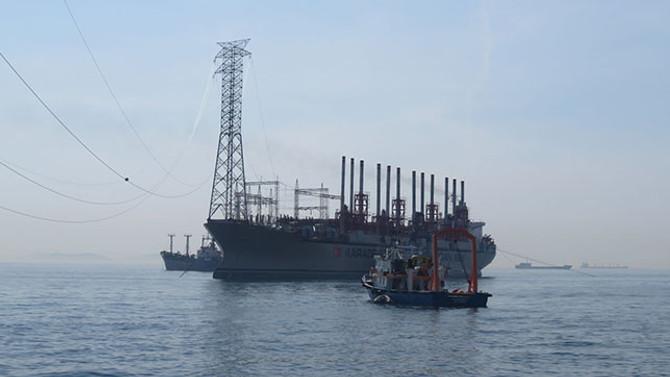 Dev jeneratör gemi Marmaray için geldi