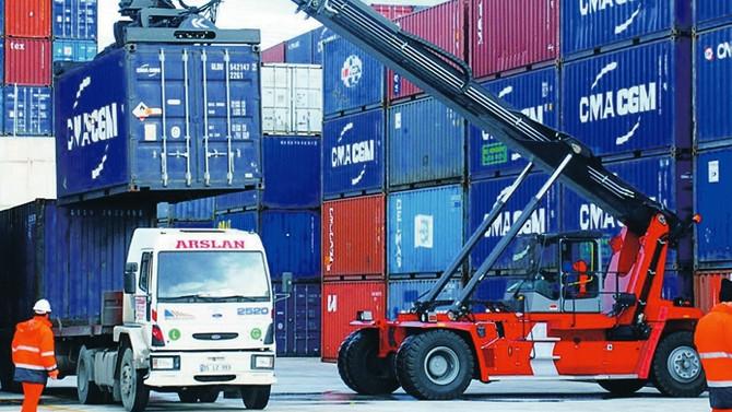 Japonya'da ticaret fazlası tahminlere yakın geldi