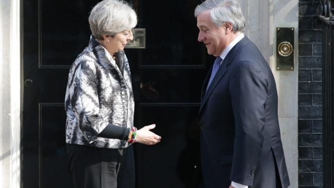 Tajani, May ile görüştü
