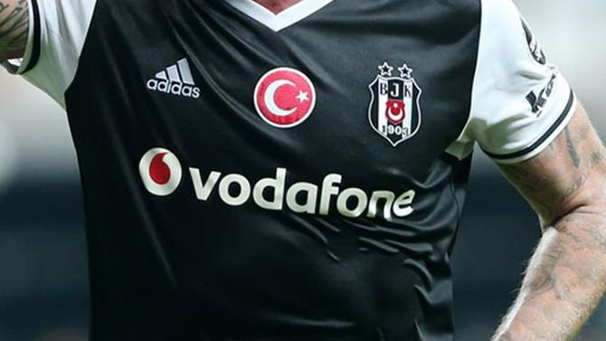 Beşiktaş forma satışında rakiplerini geçti