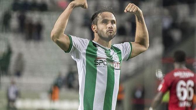 Atiker Konyasporlu Vukovic Olympiakos'ta