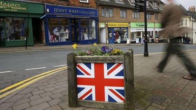 Fitch: İngiltere'de belirsizlik arttı