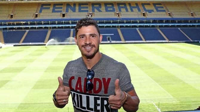 Fenerbahçe Giuliano'yu bonservisiyle transfer etti