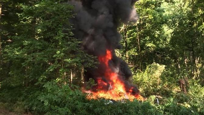 ABD'de protestoları izleyen polis helikopteri düştü