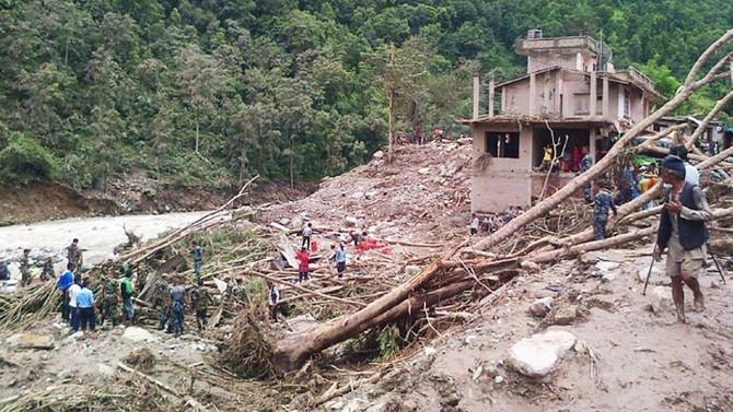 Nepal'de sel ve heyelan: 47 ölü